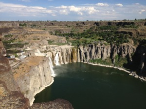 Shoshone_Falls_viewed_from_the_northwest_on_July_7_2013