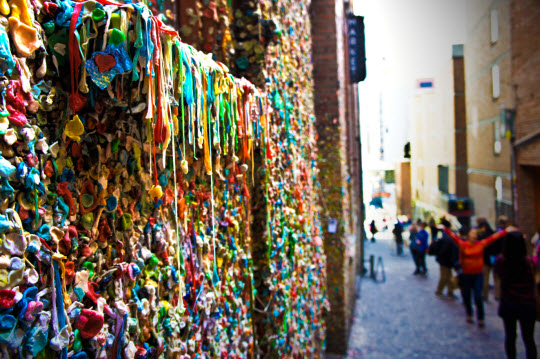 2012-09-24-SeattlePostAlleyGumWall